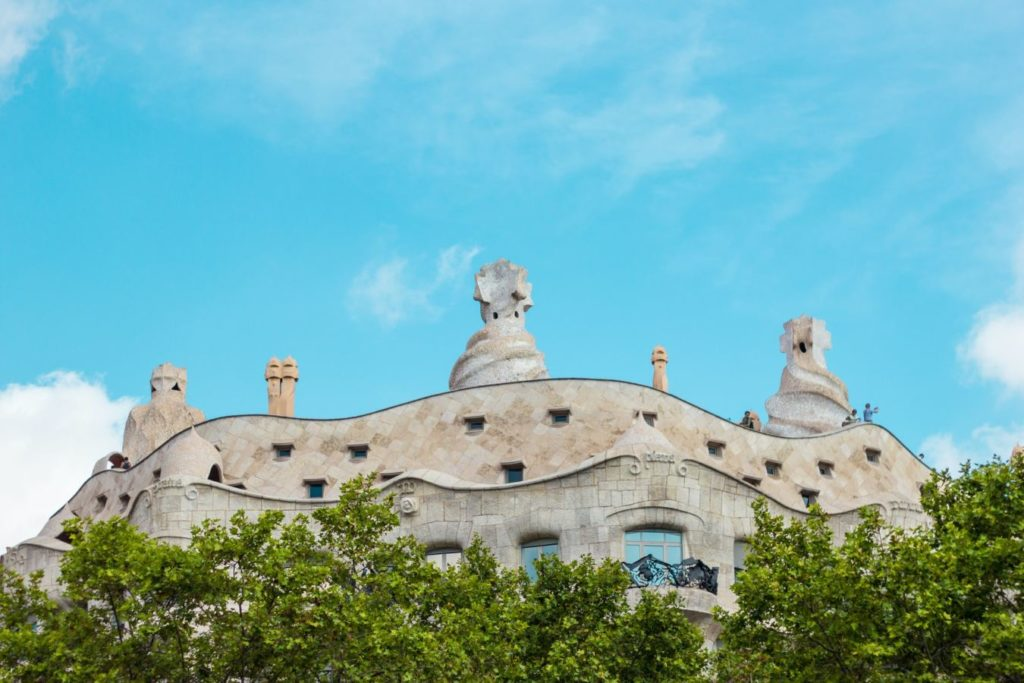 hiring a Buyer's Agent in Barcelona to buy a property